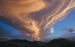 Lenticular cloud over Tararua's